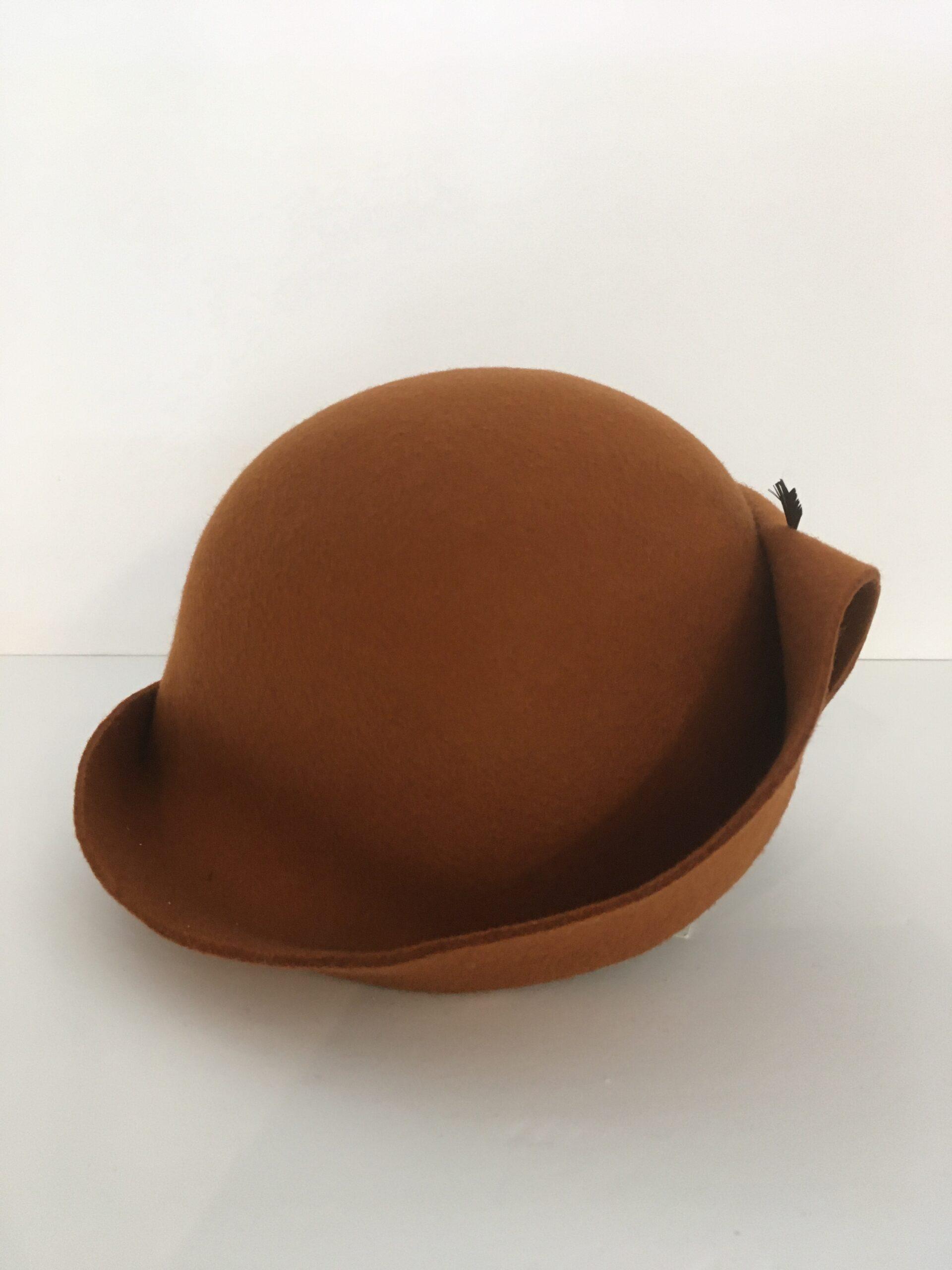 chapeau brun